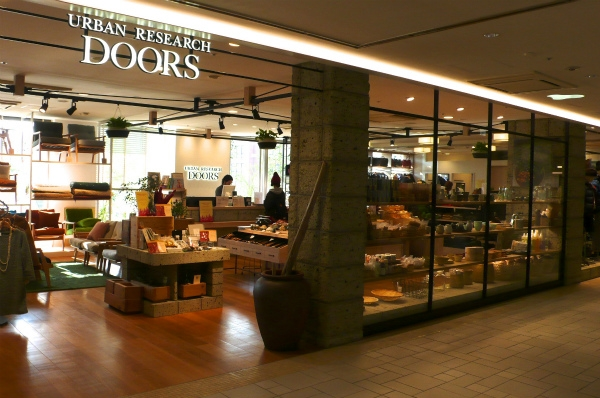 URBAN RESEARCH DOORS <br /> 免税店(Tax-Free Shop)
